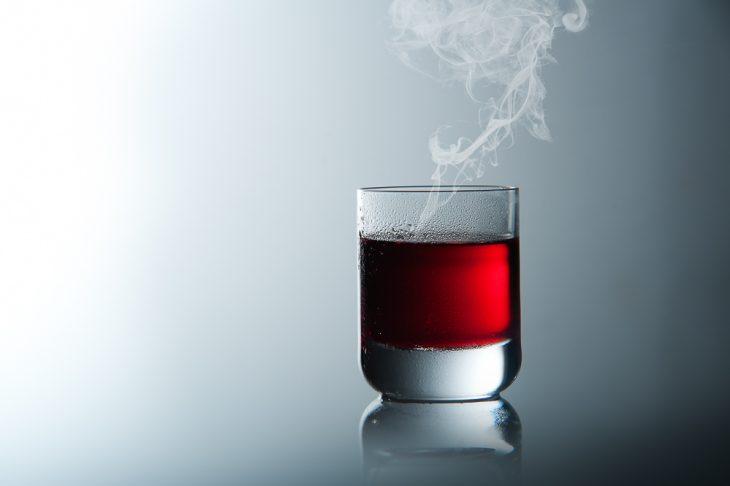 Glas. Flüssigkeit. Werbefotografie.