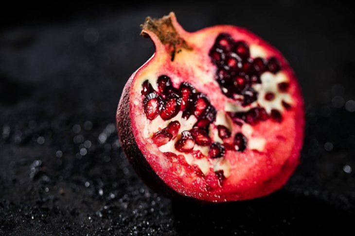 Granatapfel. Werbefotografie. Foodfotografie.